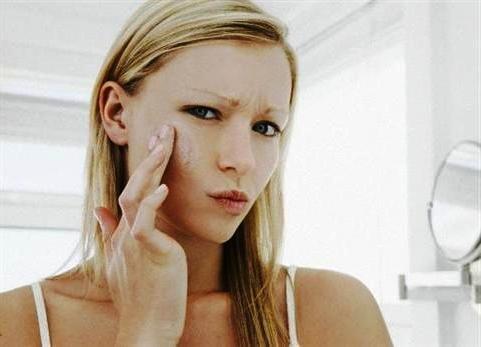 Крем для чувствительной кожи лица поможет в уходе за кожей