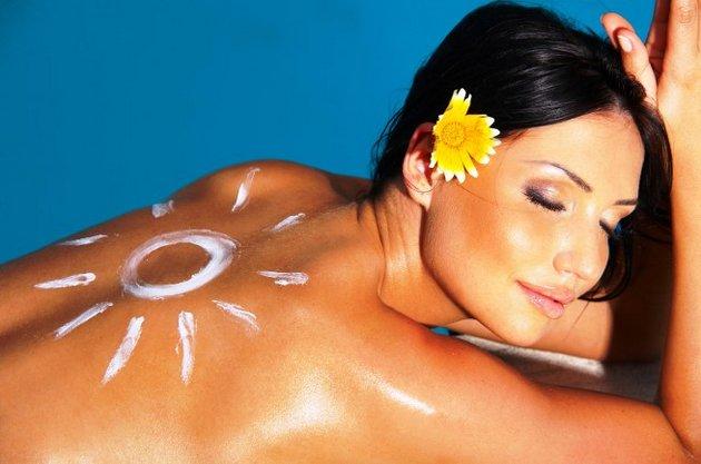Солнцезащитный крем сохранит молодость Вашей коже