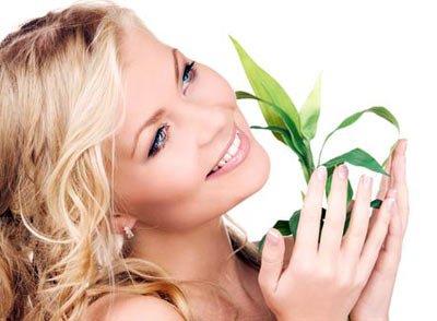 Питательный крем делает кожу лица красивой и здоровой