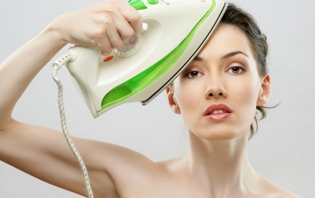 При регулярном использовании, крем с ретинолом разгладит кожу