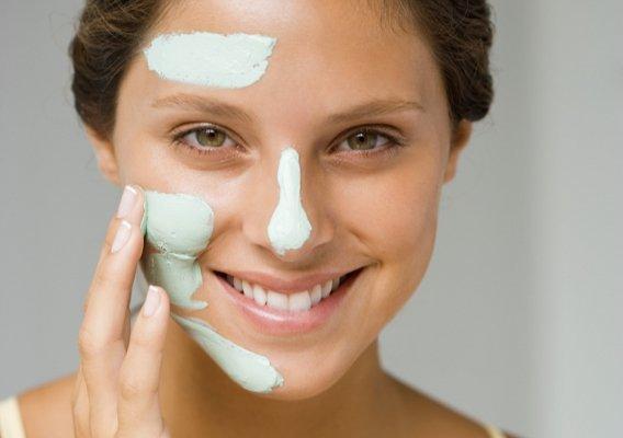 Лучше использовать отдельные кремы для разных участков комбинированной кожи