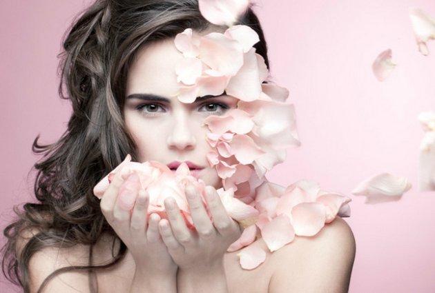 Состав крема для обезвоженной кожи лица должен быть насыщенным