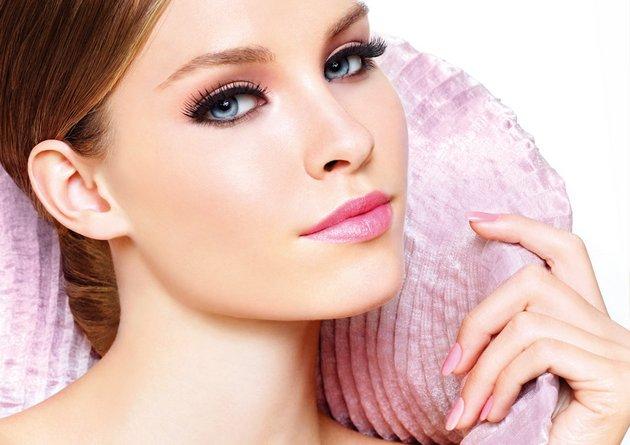 Крем для обезвоженной кожи лица восполняет недостаток влаги