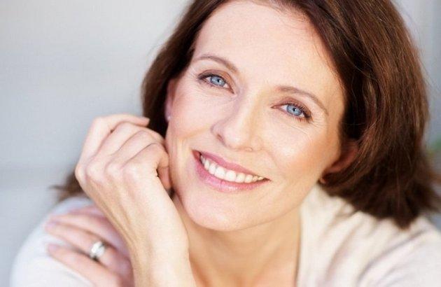 Крем-лифтинг для лица восстанавливает молодость кожи