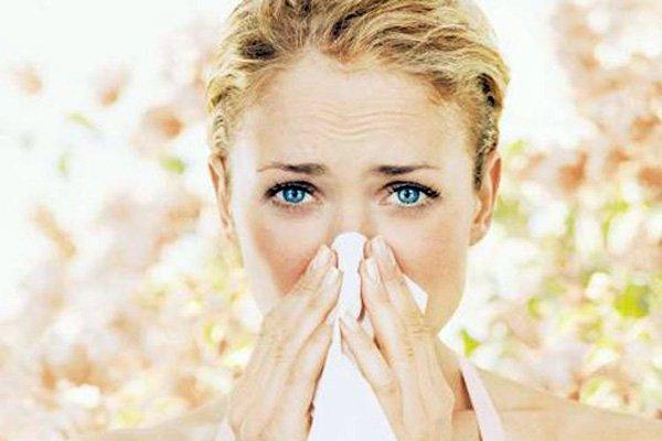 Крем от аллергии на лице должен обладать мягким действием