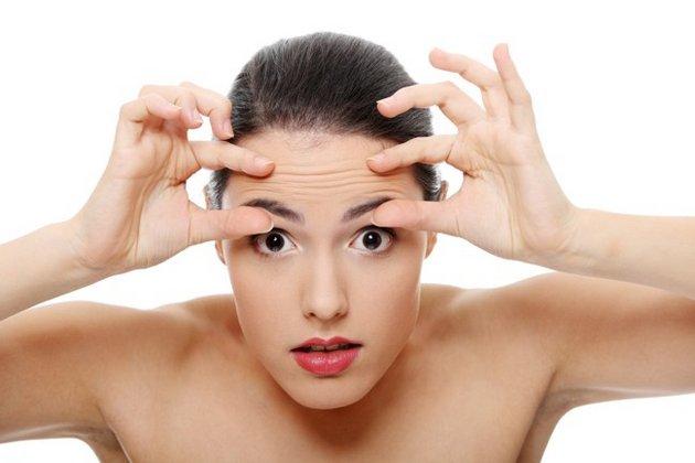 Крем с ретинолом для лица поможет разгладить морщины