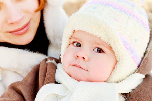 Обязательно наносим перед прогулкой ребенку крем от холода