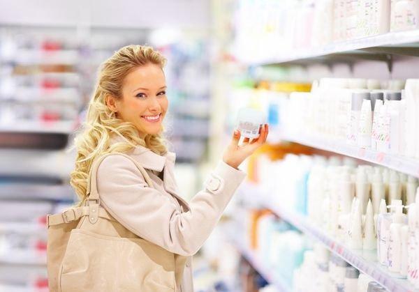 дешевый или дорогой крем в магазине