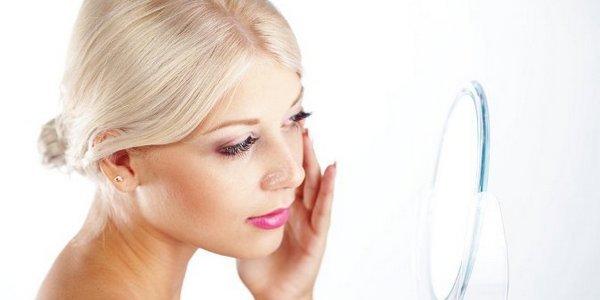 Применять крем-пилинг нужно после легкого очищения кожи