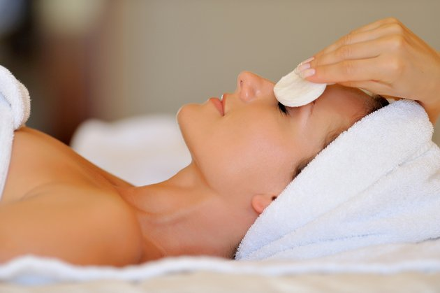 Крем для жирной кожи лица матирует кожный покров