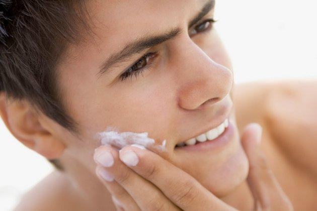 улучшить состояние кожи помогут массажные движения