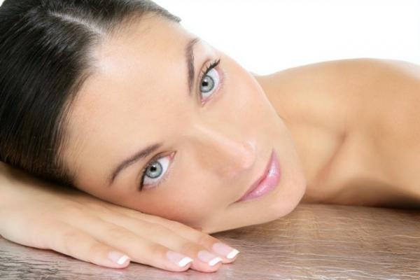 Гипоаллергенный крем успокаивает кожу лица