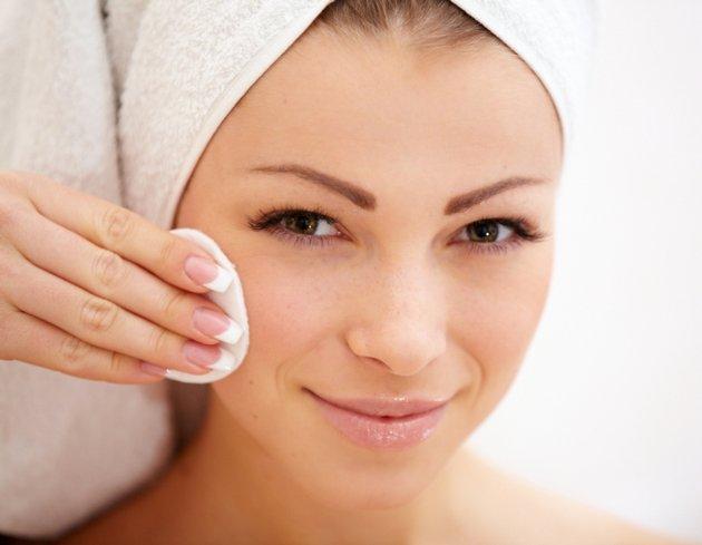 гиалуроновая кислота в составе японского крема увлажняет кожу