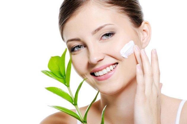 крем для нормальной кожи лица обладает мягким действием