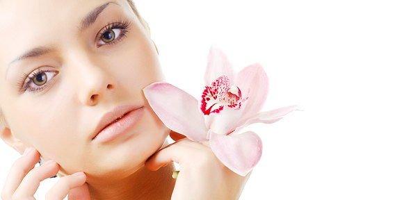 лечебный крем для лица восстанавливает здоровье кожи