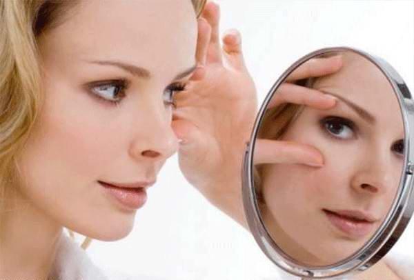 Крем от мешков под глазами повышает эластичность кожи