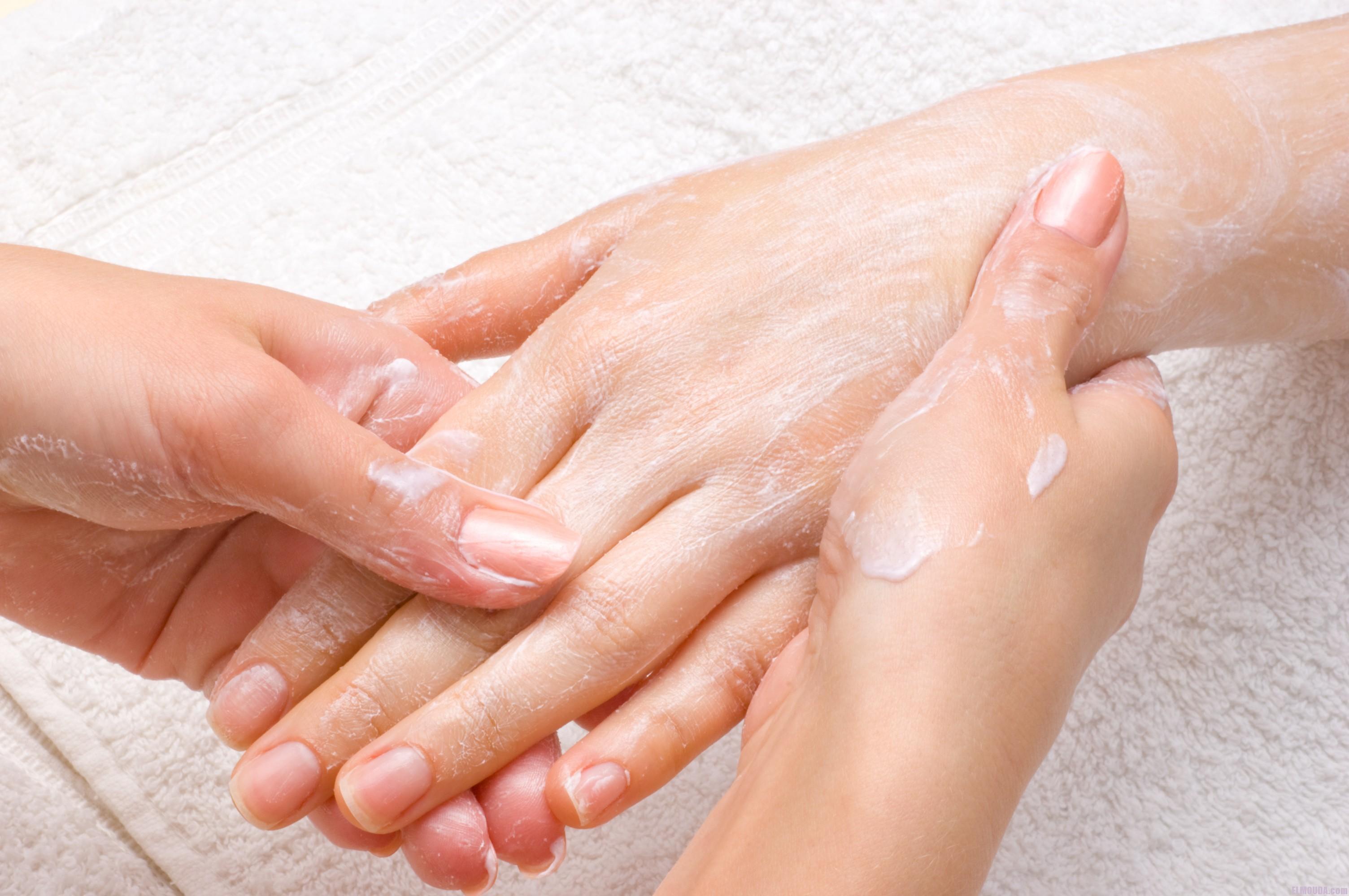 силиконовый крем для рук наносится на чистые руки