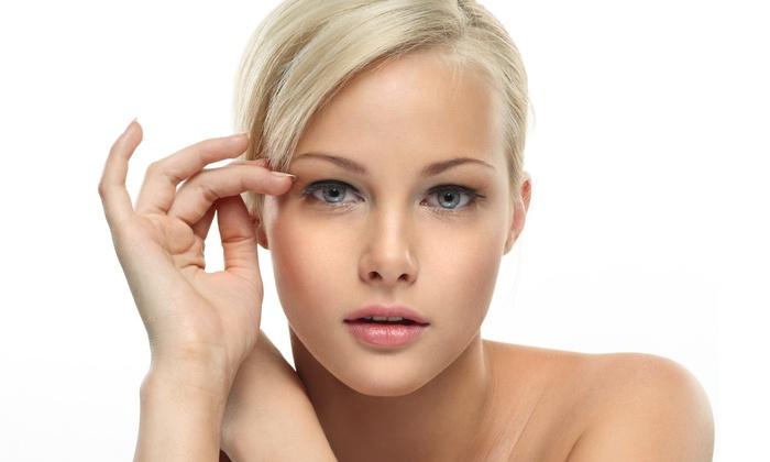Крем увлажняет сухую кожу лица