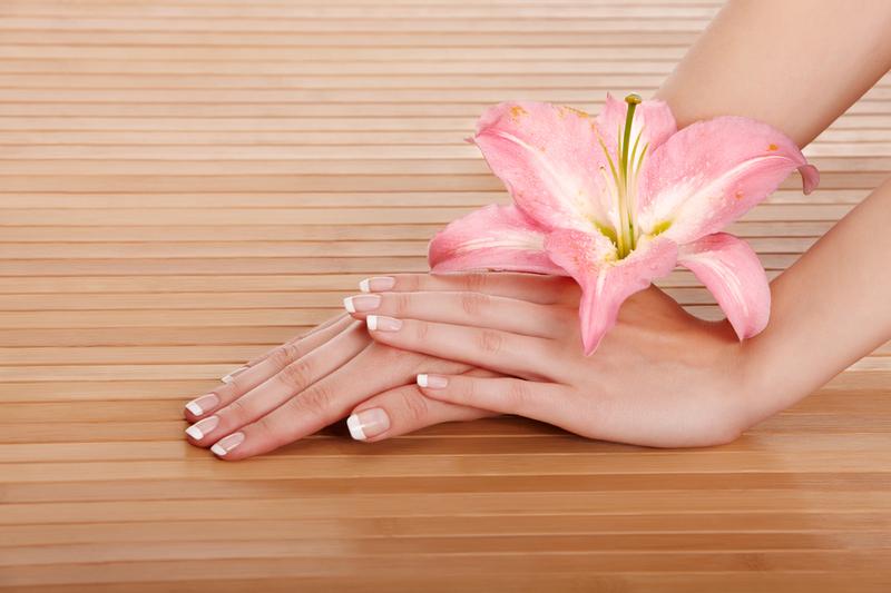 для сухой кожи рук полезен крем с цветочными экстрактами и маслами