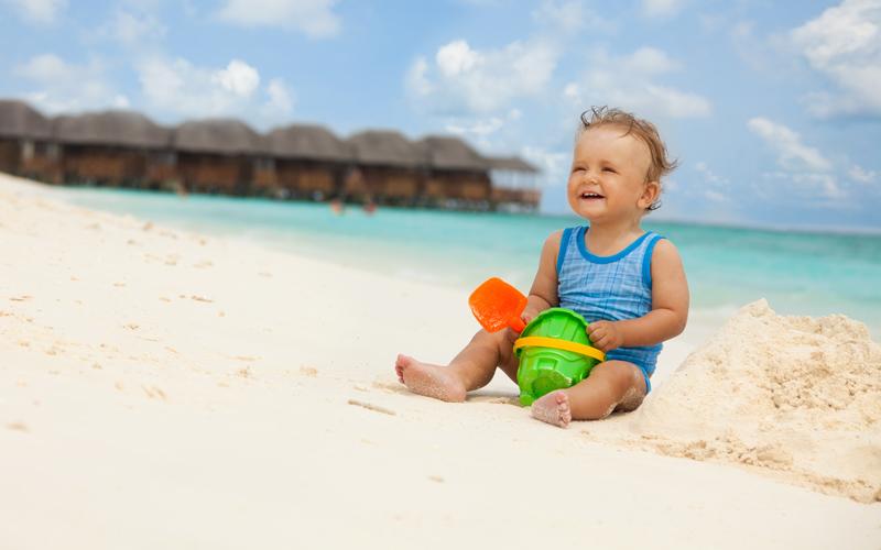 Для детей до года нужно использовать солнцезащитный крем