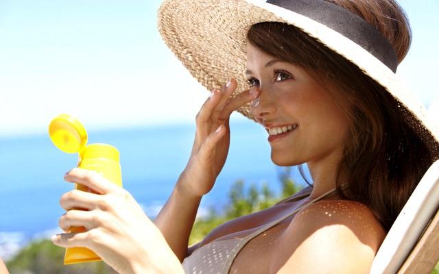 Слой солнцезащитного крема необходимо постоянно обновлять