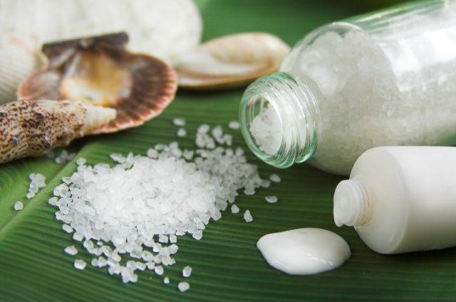Пилинг для губ с солью и сливками