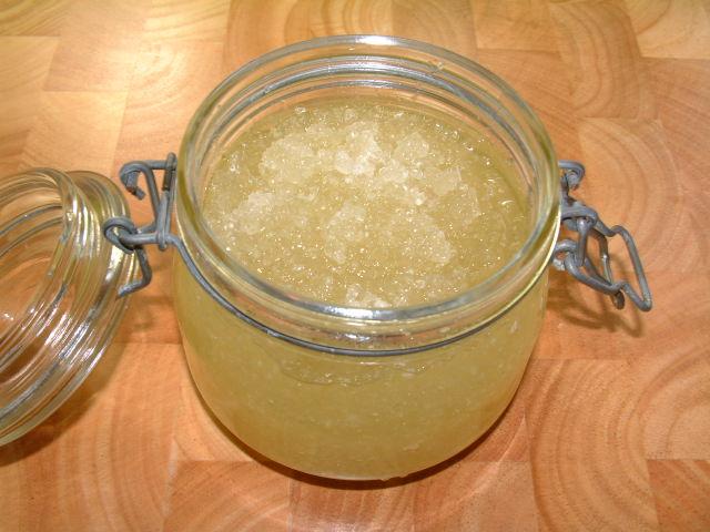 Скраб с сахаром и солью от растяжек