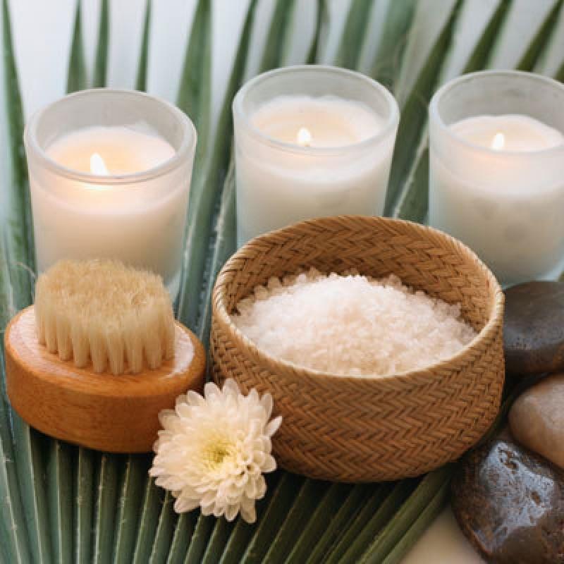 Антицеллюлитный скраб с солью в домашних условиях