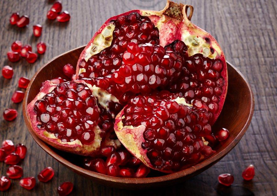 Гранатовый фруктовый пилинг для лица в домашних условиях
